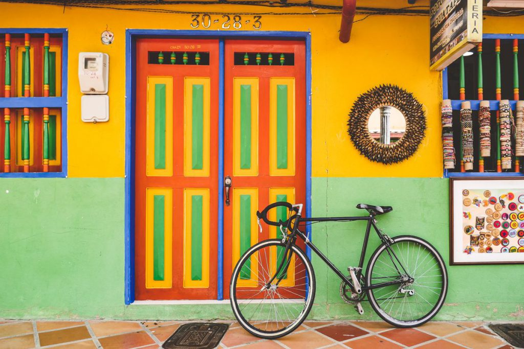 guatape - sketch Medellin